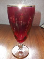 VINTAGE RETRO GILDED FACETED SHORT STEM STOUT ? GLASS RED WITH GOLD MARY